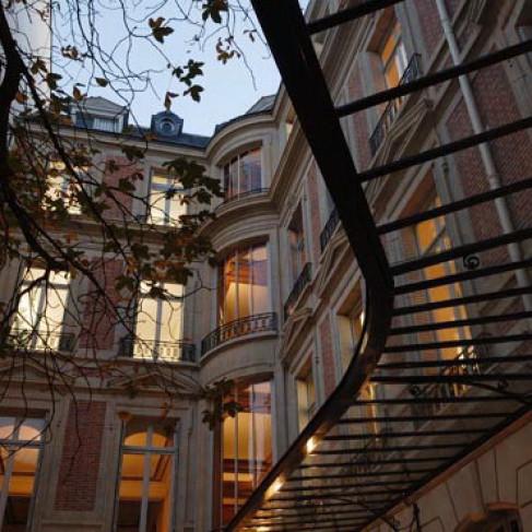 Rue Beaujon Paris, France